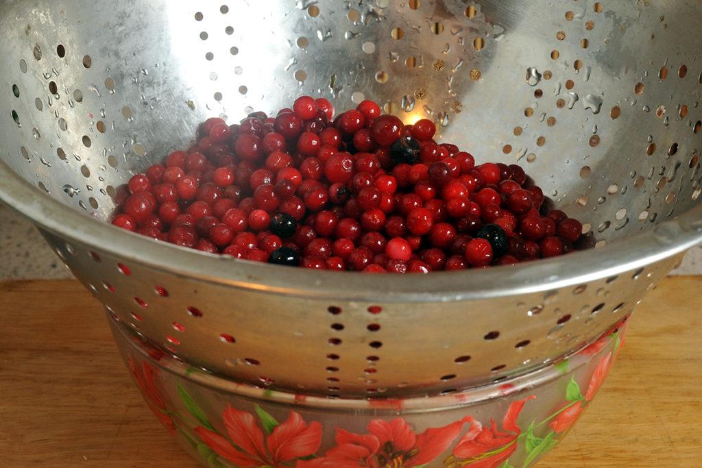 желе из ягод клюквы