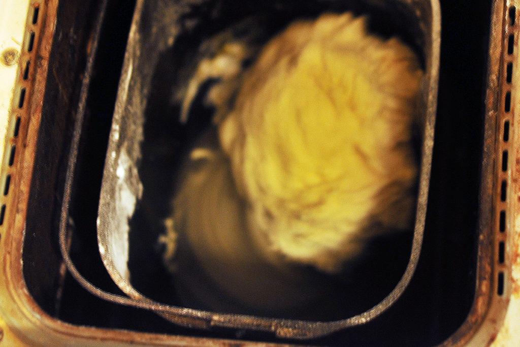 Замес теста в хлебопечки бля приготовления домашних сырников