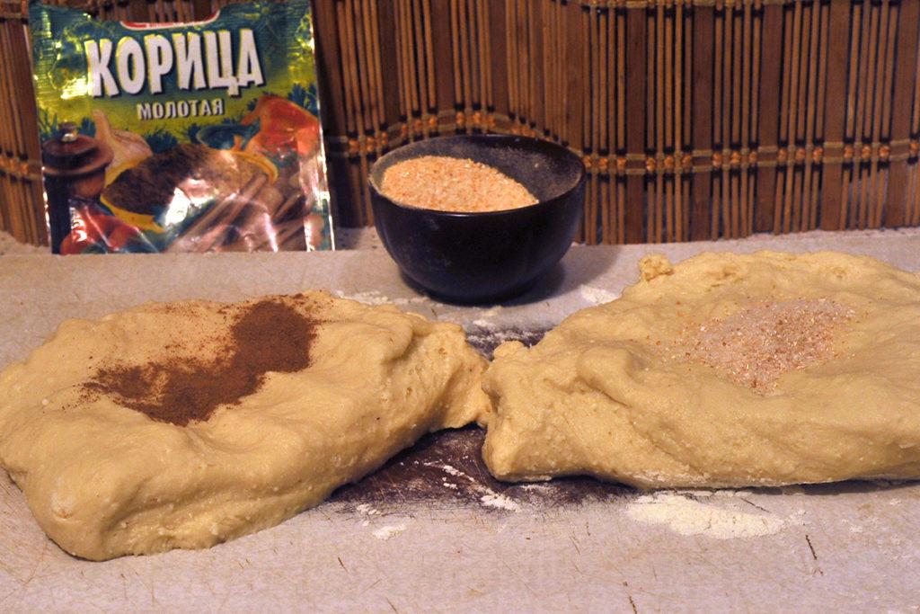 Добавляем в творожное тесто корицу и готовим домашние сырники
