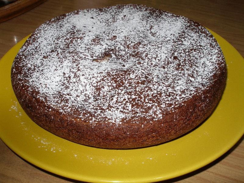 Способ подачи шоколадной выпечки с сахарной пудрой