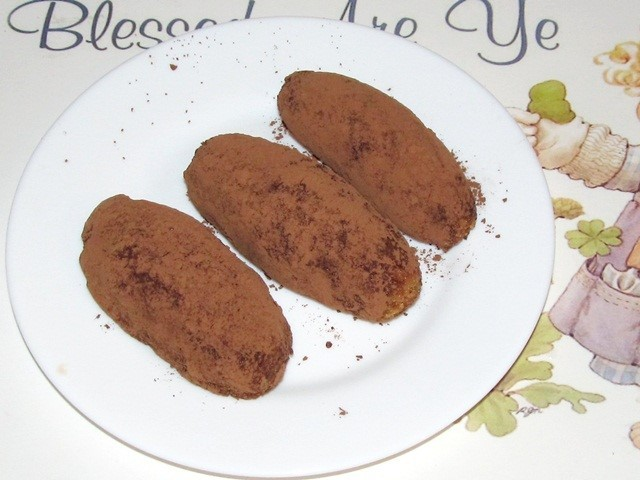 Пирожное из сгущенки и сухарей посыпанные какао